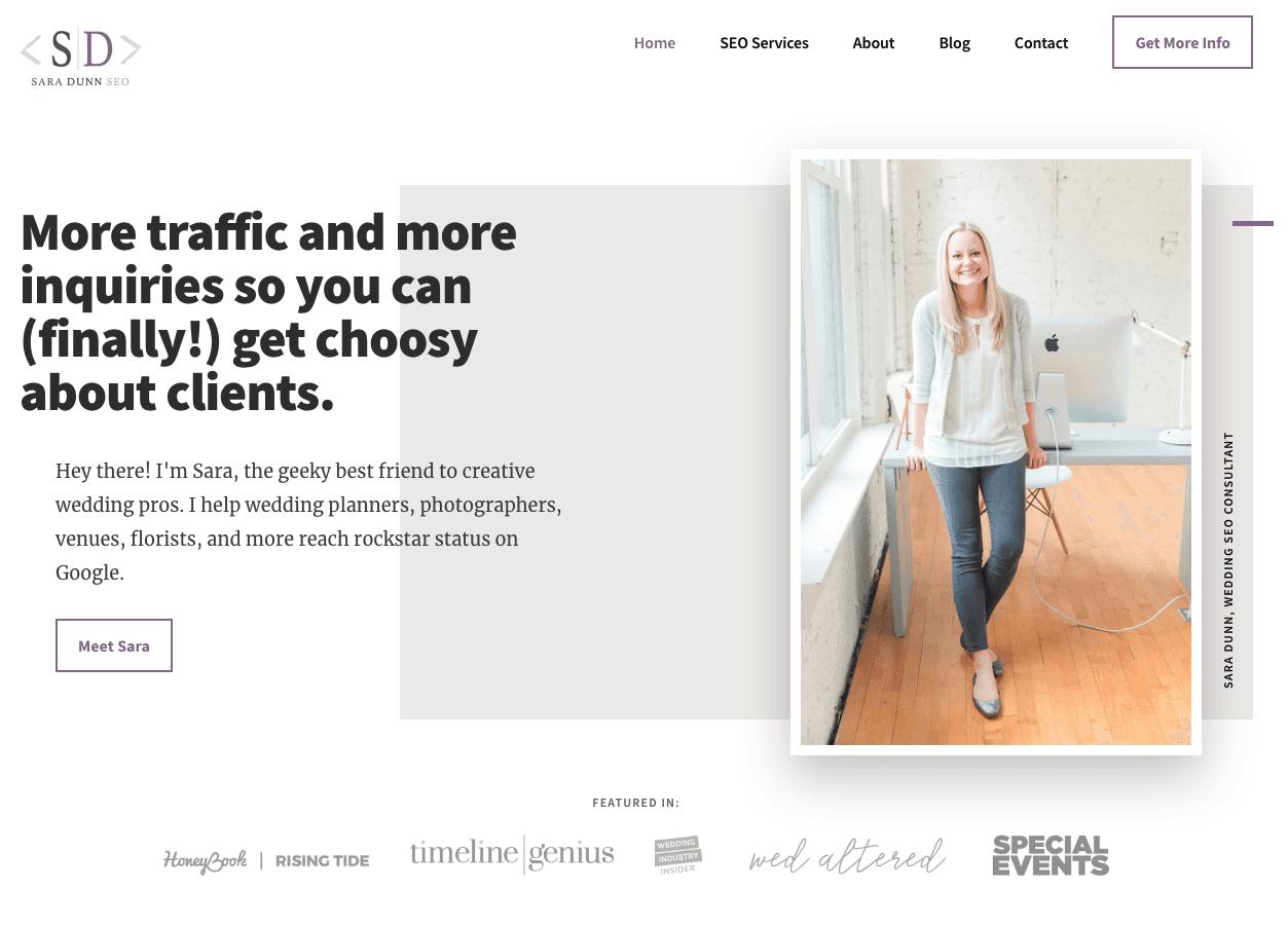 Sitio web de Sara Hace SEO, el uso de espacio en blanco para mejorar la experiencia del usuario